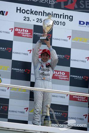 Winner Roberto Merhi, Mücke Motorsport, Dallara F308 Mercedes