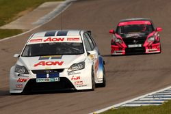 Tom Chilton voor Dave Pinkney