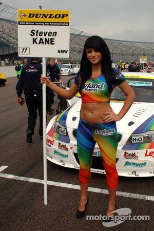 Steven Kane grid girl