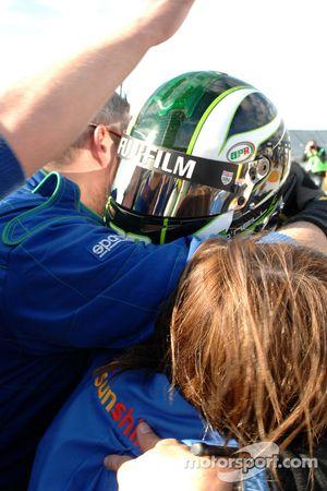 Paul O'Neill fête son succès avec son équipe