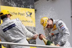 Podium: race winner Gary Paffett, Team HWA AMG Mercedes C-Klasse and second place Bruno Spengler, Te