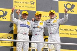 Podium: race winner Gary Paffett, Team HWA AMG Mercedes C-Klasse, second place Bruno Spengler, Team