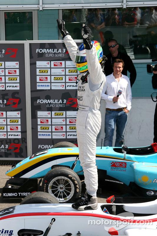 Winnaar Roberto Merhi, Mücke Motorsport, Dallara F308 Mercedes