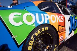 #16 Coupons.com Ford