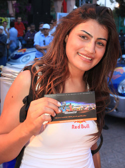Une jeune femme lors de la session d'autographes