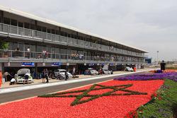 Augusto Farfus, BMW Team RBM, BMW 320si et Andy Priaulx, BMW Team RBM, BMW 320si