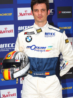 Sergio Hernandez, Scuderia Proteam Motorsport, BMW 320si with his new racing suit