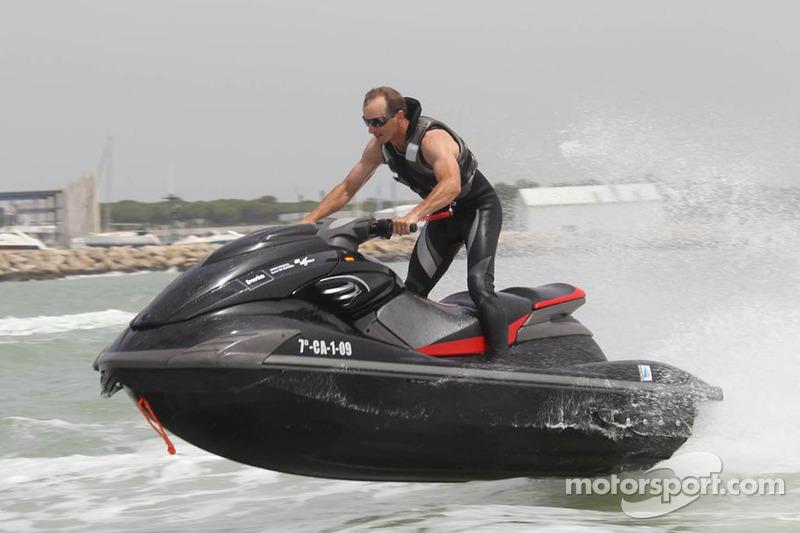 Colin Edwards, Monster Yamaha Tech 3 heeft plezier in het water