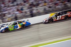 Greg Biffle chases down Matt Kenseth