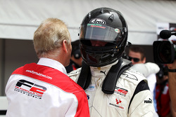 Dean Stoneman, won race 1, and is congratulated by Jonathan Palmer, CEO MotorSport Vision