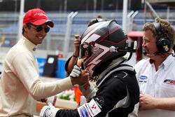 Philipp Eng, fête sa 2e place en course 1