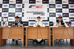 Course 1 conférence de presse et résultats: 1st Dean Stoneman, centre 2nd Philipp Eng, gauche 3rd Kelvin Snoeks, droite