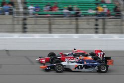 Ryan Hunter-Reay, Andretti Autosport met Mario Moraes, KV Racing Technology