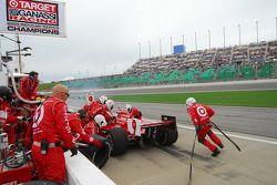 Scott Dixon, Target Chip Ganassi Racing pitstop