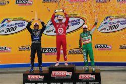 Scott Dixon on the podium with Dario Franchitti and Tony Kanaan