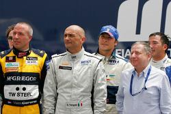 Les pilotes WTCC avec Jean Todt, President de la FIA