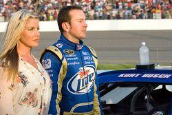 Kyle Busch, Joe Gibbs Racing Toyota, met vrouw Eva