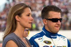 A.J. Allmendinger, Richard Petty Motorsports Ford en zijn vrouw Lynn