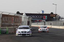 Andy Priaulx, BMW Team RBM, BMW 320si and Mehdi Bennani, Wiechers Sport, BMW 320si