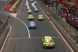 Start: Gabriele Tarquini, SR - Sport, Seat Leon 2.0 TDI leads