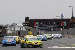 Gabriele Tarquini, SR - Sport, Seat Leon 2.0 TDI leads