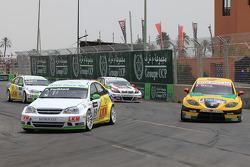 Harry Vaulkhard, Bamboo-ingénieuring, Chevrolet Lacetti et Jordi Gene, SR - Sport, Seat Leon 2.0 TDI