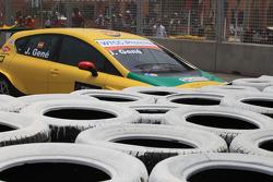 Crash of Jordi Gene, SR - Sport, Seat Leon 2.0 TDI