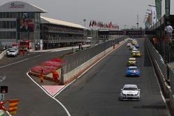 Andy Priaulx, BMW Team RBM, BMW 320si devant