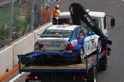 Crashed car of Sergio Hernandez, Scuderia Proteam Motorsport, BMW 320si