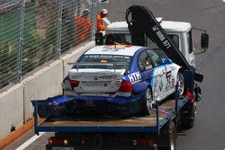 Crashed car of Sergio Hernandez, Scuderia Proteam Motorsport, BMW 320si