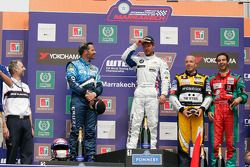 Podium: Yvan Muller, Chevrolet, Chevrolet Cruze LT, Andy Priaulx, BMW Team RBM, BMW 320si, Tom Coron