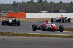 Daisuke Nakajima devant Felipe Nasr