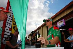 Signeersessie: #51 Castrol Edge Racing: Greg Murphy