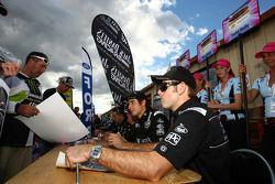 Autograph session: #15 Jack Daniel's Racing: Rick Kelly, #7 Jack Daniel's Racing: Todd Kelly