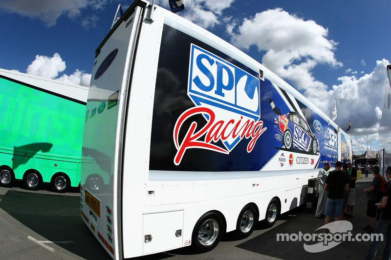 SP Tools Racing transporter
