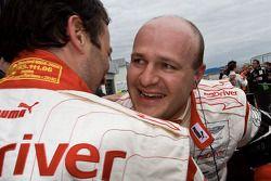 Winnaars Darren Turner en Tomas Enge