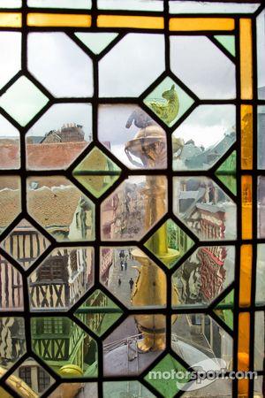 Zicht vanuit de Gros-Horloge in Rouen