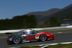#25 Zent Porsche RSR : Takeshi Tsuchiya, Akihiro Tsuzuki