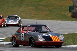 69 Porsche 911S: Jerry Peters