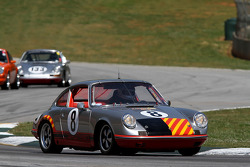 69 Porsche 911S: Jerry Peters