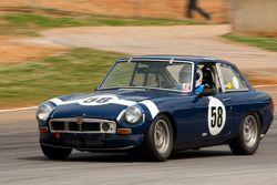 #58 1972 MG B-GT: Lee Walker