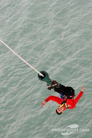 Julien Ingrassia bungee jumps from Auckland Bridge