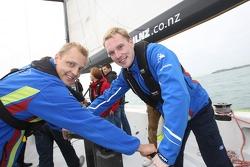 Mikko Hirvonen et Jari-Matti Latvala sur un des bâteaux de la Coupe de l'America