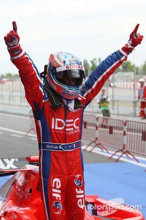Race winnaar Charles Pic
