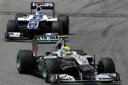 Nico Rosberg, Mercedes GP Petronas leads Rubens Barrichello, Williams F1 Team
