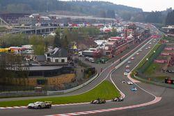 Start: #70 Marc VDS Racing Ford GT: Bas Leinders, Markus Palttala, Eric de Doncker