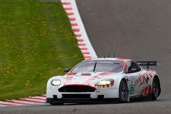#52 Young Driver AMR Aston Martin DBR9: Tomas Enge, Christoffer Nygaard, Peter Kox