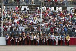 Les mères du NASCAR Sprint Cup annoncent le «Gentlemen, start your moteurs»