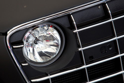 #100 Team Abt Sportsline Audi R8 LMS headlight detail