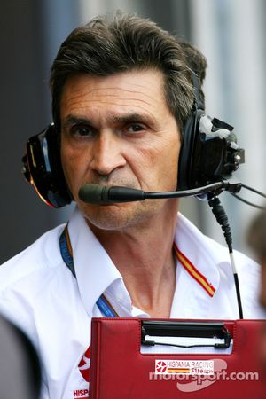 Jacky Eeckelaert, Hispania Racing F1 Team, Directeur technique